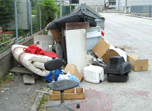 Basta abbandono selvaggio dei rifiuti non differenziabili!